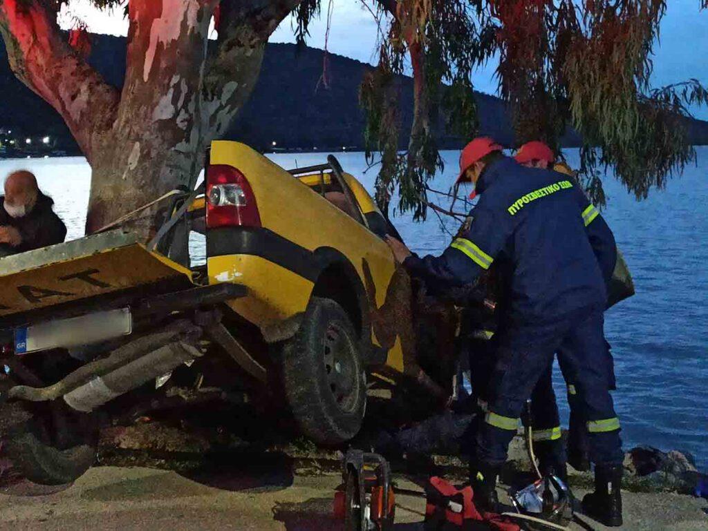 Σοβαρό τροχαίο με ένα Νεκρό-Καρφώθηκε σε δέντρο[Φωτογραφίες]